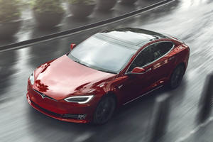 Tesla Helping Owners Escape Hurricane Florence With Free Supercharging