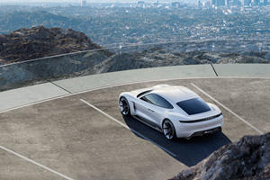 Porsche Will Only Sell Electric Cars in 10 Years