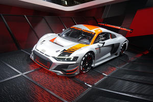 Audi Surprises Paris Crowd With New $500,000 R8 LMS Customer Race Car