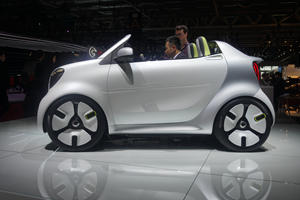 Smart Turns 20 With Quirky Forease Concept