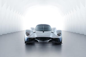 The Aston Martin Valkyrie Sounds Like Dad's Formula 1