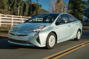 2019 Toyota Prius Adopts More Conventional Trim Levels