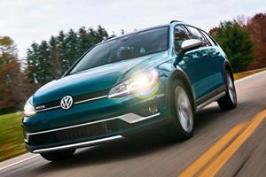 2019 Volkswagen Golf Alltrack Receives Optional Manual For All Trims