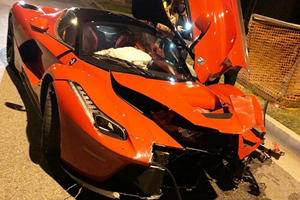 Ferrari LaFerrari Badly Damaged In Beverly Hills Crash