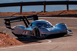Cornering In The Volkswagen I.D. R Will Make You Pass Out