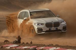 BMW Creates Famous Race In The Desert To Show Off New X5