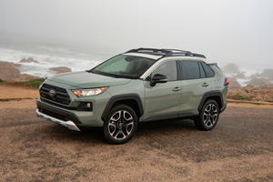 2019 Toyota RAV4 First Drive Review: Hybrid Shines, Gas Model Stumbles