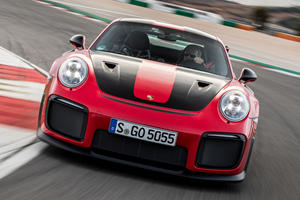 Porsche 911 GT2 RS Gets A No-Cost Clubsport Package
