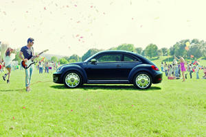Brand New Volkswagen Beetle Fender Edition Stands Out at AMI Leipzig