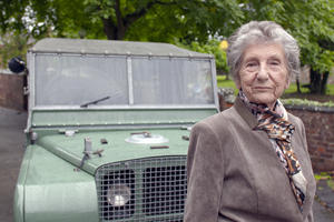 Retiree Reunited With Original Land Rover 70 Years Later