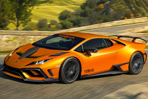 Lamborghini Huracan Gets Extensive Carbon Fiber Makeover