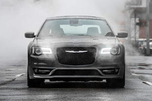 The Chrysler 300 May Not Be Dead After All
