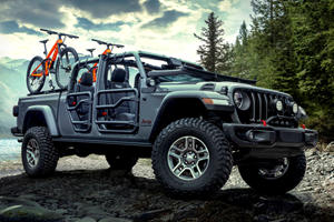 Jeep Gladiator Gets A Fancy Custom Interior In Chicago