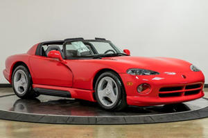 This Original 1992 Dodge Viper Is Virtually Brand New