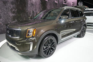 First 2020 Kia Telluride Rolls Off The Production Line