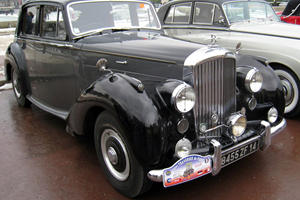 Luxury Car Evolution: 1952 Bentley R-Type