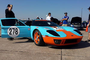 Watch A 2,500-HP Ford GT Clock Over 300 MPH