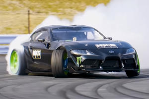 World's First 2JZ-Equipped Toyota Supra Goes Drifting