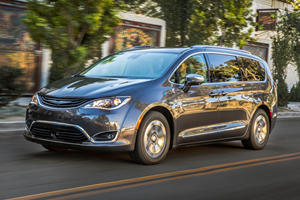 Are The Chrysler Pacifica And Dodge Grand Caravan In Trouble?