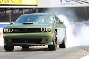 Dodge Challenger R/T Scat Pack 1320 Is Begging For Drag Action