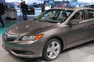 Acura ILX Hybrid is a Four-Wheeled Rave