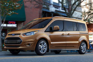 Ford Gets Back Into Minivans with Transit Connect Wagon