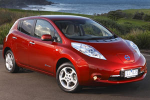 Cars That Attract Women: Nissan Leaf
