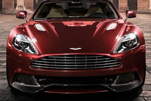 Sexualized Cars: Aston Martin Vanquish