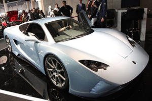 Vencer Sarthe Debuts at Top Marques