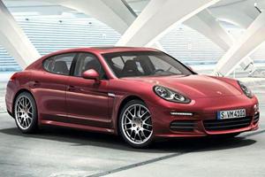 Porsche's New Panamera in Action