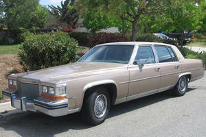 Dead-End Technologies: Cadillac Fleetwood V8-6-4