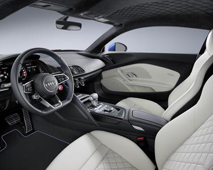 2017 Audi R8 V10 quattro Coupe Interior