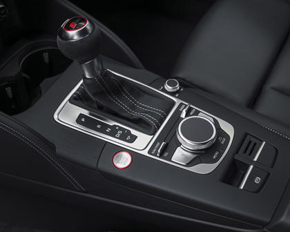 2018 Audi RS 3 quattro Sedan Shifter