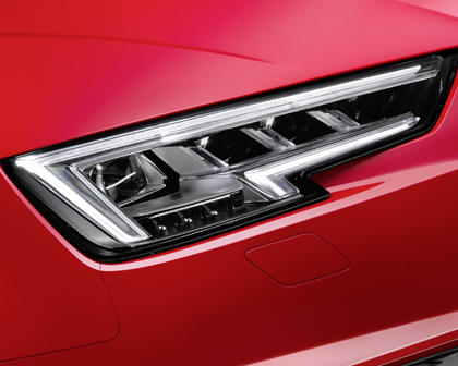 2018 Audi S4 Prestige quattro Sedan Headlamp Detail