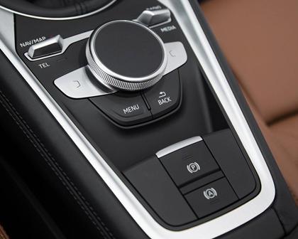2017 Audi TT 2.0T quattro Coupe Aux Controls