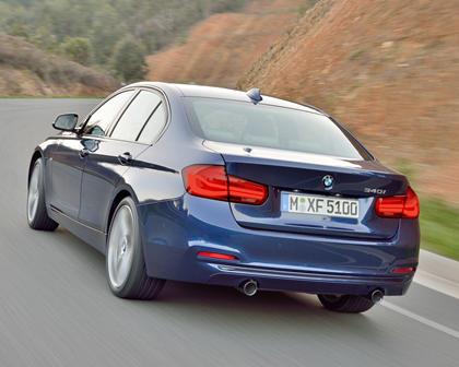 2016-2018 BMW  3 Series Sedan Left Rear Three-Quarter Dynamic