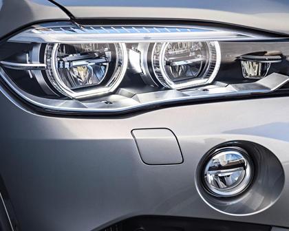 2015-2018 BMW  X5 M Headlamp Detail