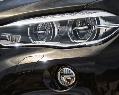 2017 BMW X6 xDrive50i 4dr SUV Headlamp Detail