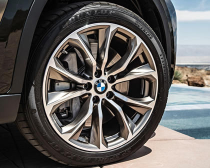 2017 BMW X6 xDrive50i 4dr SUV Wheel