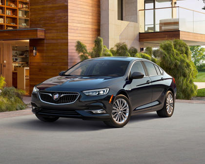 2018 Buick Regal Sportback Essence 4dr Hatchback Exterior Shown