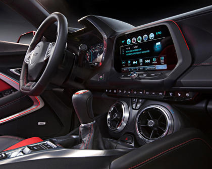 2017 Chevrolet Camaro SS w/2SS Coupe Center Console Shown
