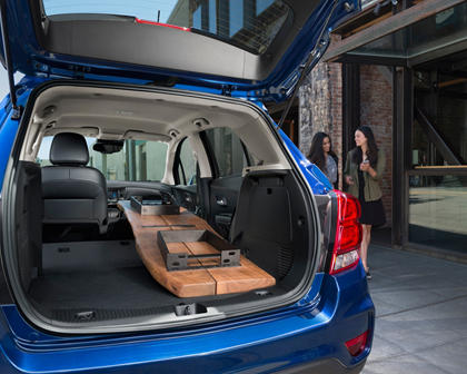 2017 Chevrolet Trax Premier 4dr SUV Lifestyle Exterior