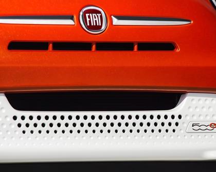 2017 FIAT 500e Battery Electric 2dr Hatchback Front Badge