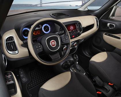 2017 FIAT 500L Trekking Wagon Interior