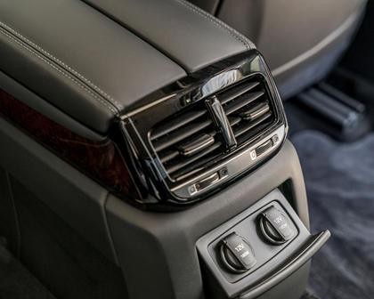 Genesis G90 Premium Sedan Interior Detail