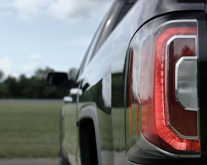 2017 GMC Sierra 1500 SLT Crew Cab Pickup Exterior Detail