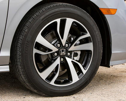 2018 Honda Odyssey Elite Passenger Minivan Wheel