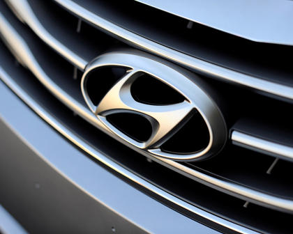 2017 Hyundai Azera Limited Sedan Front Badge