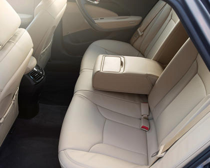 2017 Hyundai Azera Limited Sedan Rear Interior