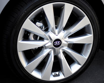 2017 Hyundai Azera Limited Sedan Wheel